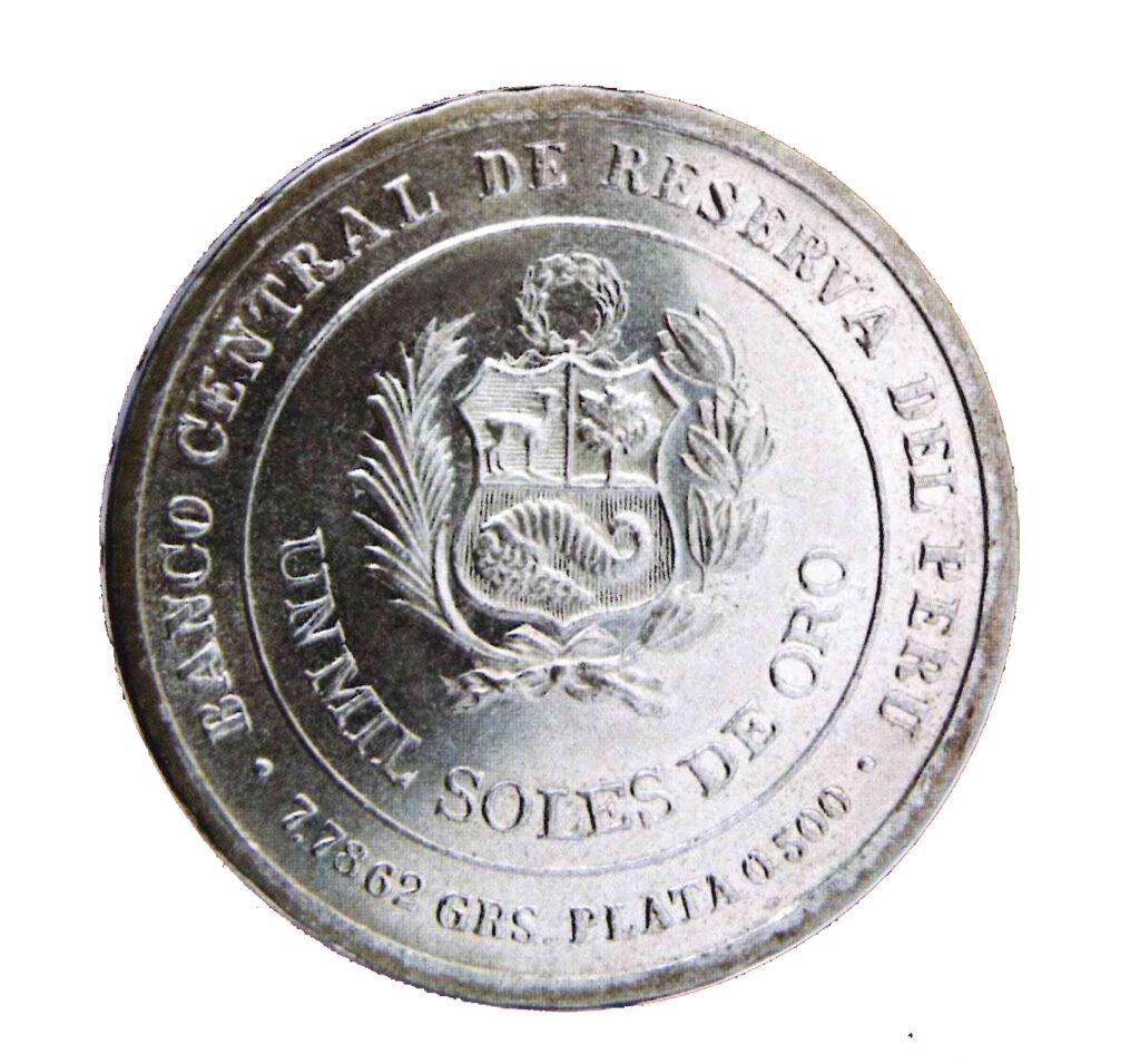 Congreso Nacional. 1979. Material: plata. Dimensiones: 30 mm. Moneda de mil soles.